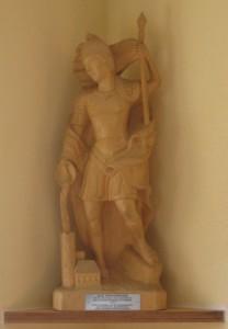 St. Florian - Schutzpatron der Feuerwehr. Holzfigur geschnitzt von Willibald Scharding.